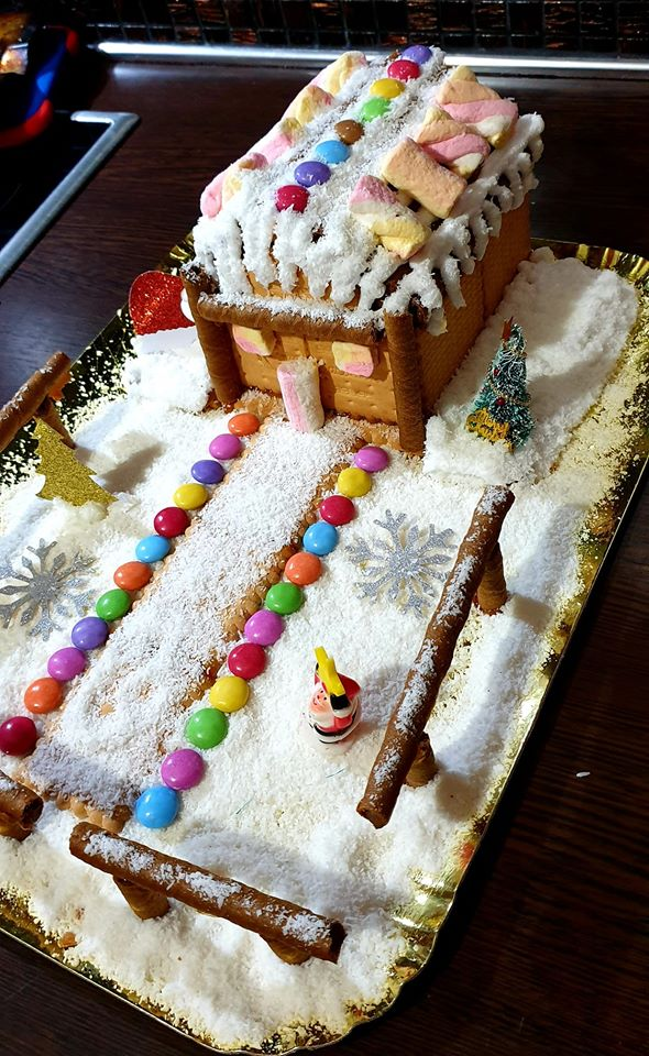 Χριστουγεννιάτικο Μπισκοτόσπιτο